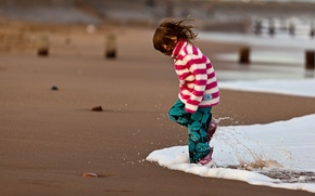 Picture sand, sea, water, squirt, children, mood, the ocean, shore, coast, girls, girl, kids, beaches, kids, …