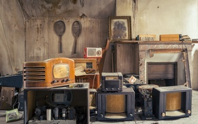 Picture background, radio, receivers
