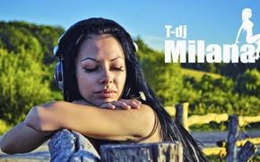 Picture Girl, headphones, piercing, t-dj Milana