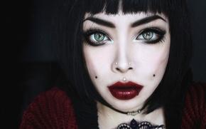 Picture girl, piercing, green eyes, red lips, Wylon To Hayashi