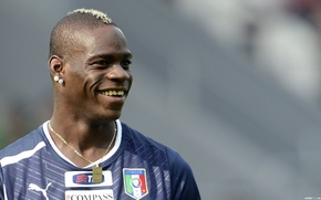 Picture football, hairstyle, Italy, emblem, chain, Balotelli
