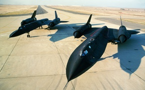 Picture the airfield, scout, SR-71, strategic, supersonic