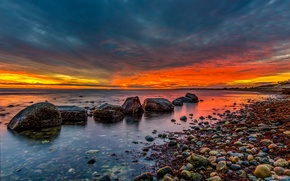 Picture sea, the sky, clouds, stones, the evening, tide, glow