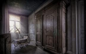 Picture room, stroller, wardrobe