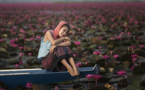 Picture girl, boat, Asian, Lotus