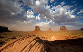 Picture the sky, stones, desert