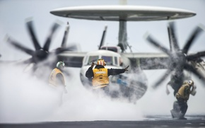Picture weapons, the plane, E-2C Hawkeye