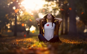 Picture autumn, girl, falling leaves, Mid Autumn Morning
