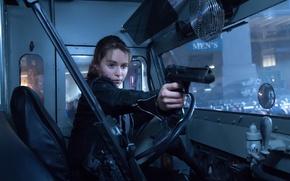 Picture gun, cabin, Emilia Clarke, Emilia Clarke, Sarah Connor, Terminator: Genesis, Terminator Genisys