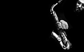 Picture face, b/W, Saxophone, black background, musical instrument, black and white, Saxophone, man.hands