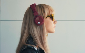 Picture Saoirse Ronan, Saoirse Ronan, blonde, actress, How I Live Now, headphones, profile, girl, glasses