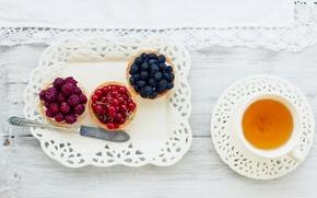 Picture berries, tea, napkin, tartlets