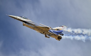 Picture weapons, the plane, F-16