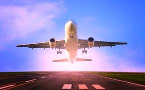Wallpaper the sky, asphalt, the sun, flight, lights, the plane, horizon, runway, passenger, airliner, takes off
