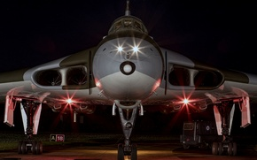 "Picture lights, bomber, the airfield, strategic, Avro Vulcan, ""Volcano"""