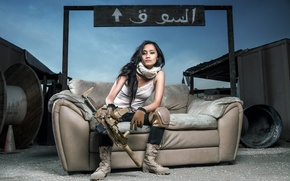 Picture girl, weapons, machine