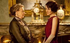 Picture the series, drama, characters, actress, Downton Abbey, Michelle Dockery, Mary Crowley, Maggie Smith, Violet