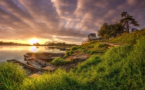 Picture summer, the sky, grass, the sun, clouds, trees, house, river, dawn, shore, boats