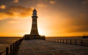 Picture Sunrise, Sunderland, Roker Lighthouse, UK