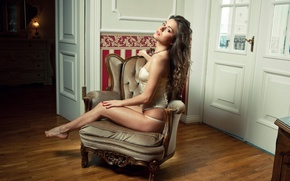 Picture room, chair, the door, brown hair, Lily C, Raisa, Natalia E