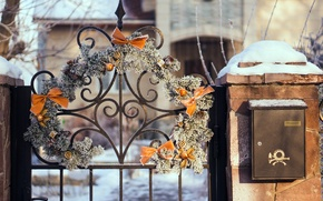 Picture winter, snow, trees, branches, nature, the fence, gate, the door, wreath, Inbox
