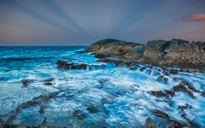Picture sea, the sky, clouds, rays, sunset, squirt, storm, stones, rocks