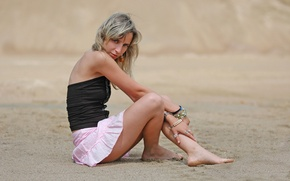 Picture Beautiful, Friendly, Nadya, In the Sand