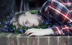 Picture flowers, sleep, guy