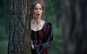 Picture Emily Blunt, The farther into the forest, Into the Woods