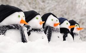 Wallpaper snow, snowmen, caps, carrots, scarves