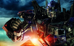 Picture the sky, the sun, clouds, weapons, fiction, robots, pyramid, Egypt, Transformers, the movie, battle, the ...