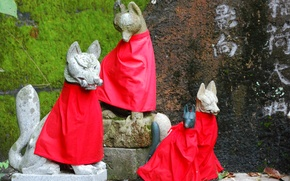 Picture Fox, Japan, red apron, Inari, sculptural group