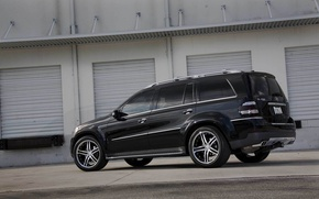 Picture black, track, garage, jeep