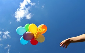 Picture the sky, balloons, background, widescreen, balls, Wallpaper, mood, bright, colored, people, hand, ball, wallpaper, widescreen, …