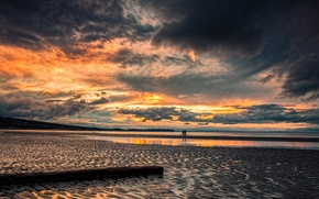 Picture sea, beach, sunset, fishing, England, the evening, fishermen, North Wales, the end of the day.