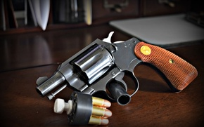 Picture weapons, cartridges, Colt, Detective Special