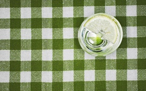 Picture water, macro, glass, lemon, tablecloth