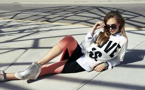 Picture look, asphalt, actress, glasses, fashion, top model, Cara Delevingne, Cara Delevingne