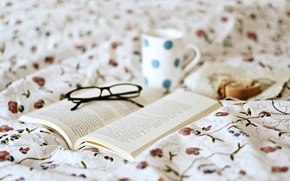 Picture pattern, glasses, book