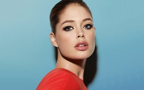 Picture girl, face, model, portrait, makeup, Doutzen Kroes, blue background, Doutzen Croesus, Victoria's Secret Angel