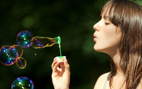 Picture bubbles, Girl, brown hair