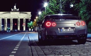 Picture night, the city, Paris, Nissan GTR
