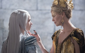 Picture Charlize Theron, Charlize Theron, Emily Blunt, Emily Blunt, Ravenna, Freya, The Huntsman: Winters War, Snow ...