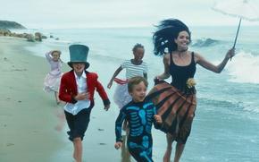 Picture sand, sea, beach, joy, children, umbrella, barefoot, actress, Angelina Jolie, Angelina Jolie, photographer, fun, costumes, …