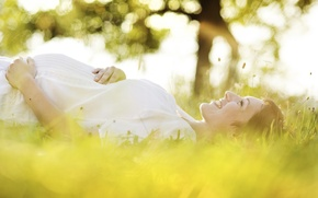 Picture grass, trees, happiness, nature, pose, smile, woman, hands, profile, mom, pregnancy