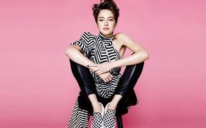 Wallpaper photoshoot, journal, Marie Claire, background, Shailene Woodley