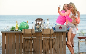 Picture sea, girls, alcohol, phone, Kate Upton, The Other Woman, Another woman