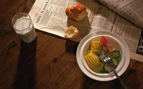 Picture corn, tomato, cucumbers, bun, salad