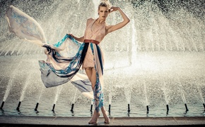 Picture model, fountain, Nana Likes To Exaggerate, dress, style, pose