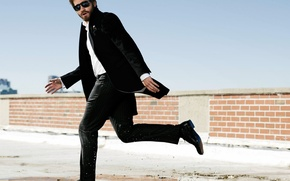 Picture squirt, puddle, glasses, costume, actor, male, Jake Gyllenhaal